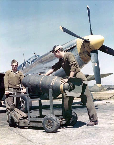 Mustang p 51b bomb loading