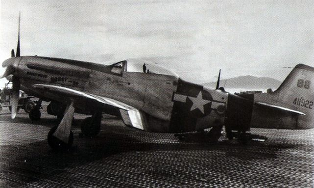 Mustang p 51k 5 nt 82nd trs