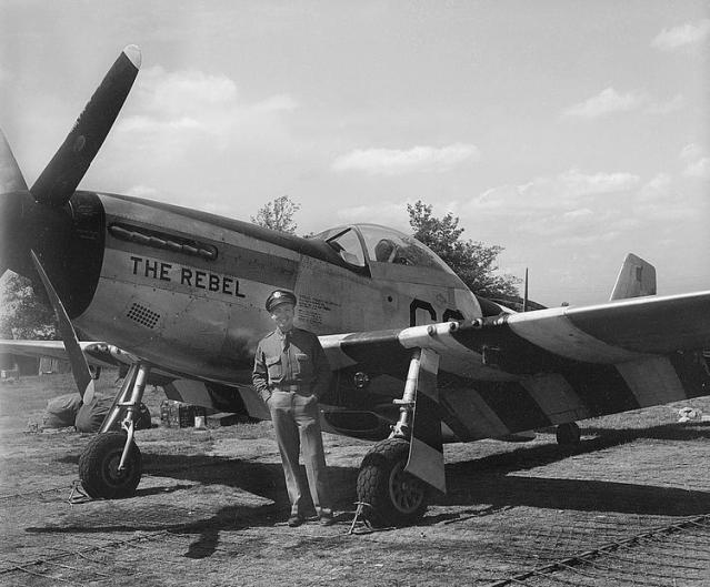 P 51d the rebel 44 13304 382nd fs